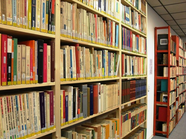 Una foto della biblioteca italiana a Duesseldorfer Strasse.
