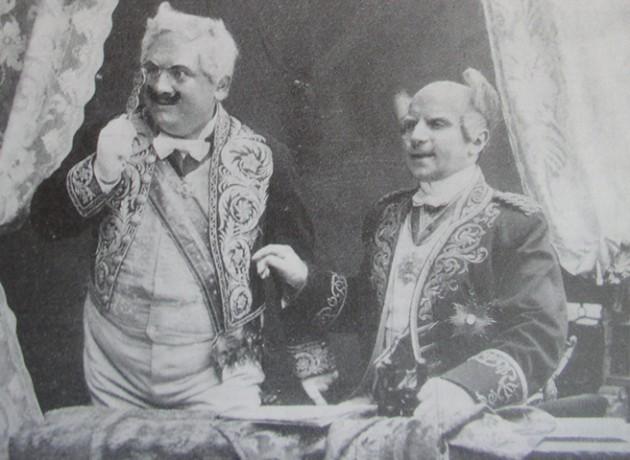 Gustav Beaurepaire (Kindermann) e Victor Arnold (Serenissimus) in scena nel primo Schall und Rauch.