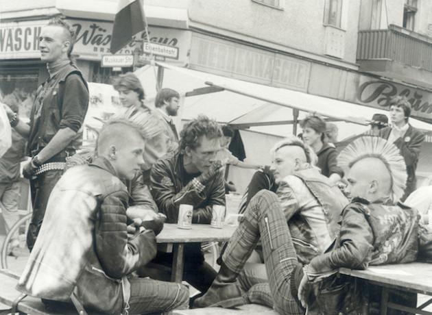 Ludwig Menkhoff | Punks in Kreuzberg © Verlag M | Stadtmuseum Berlin GmbH